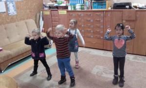W Akademii Malucha – językowo, tanecznie i śpiewnie