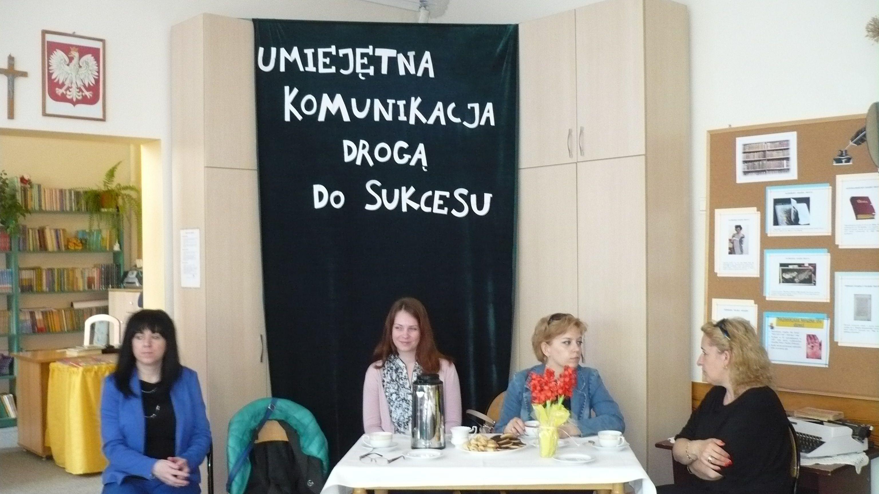 """I Międzygimnazjalny Konkurs Zawodoznawczy pt."""" Umiejętna komunikacja drogą do sukcesu""""."""