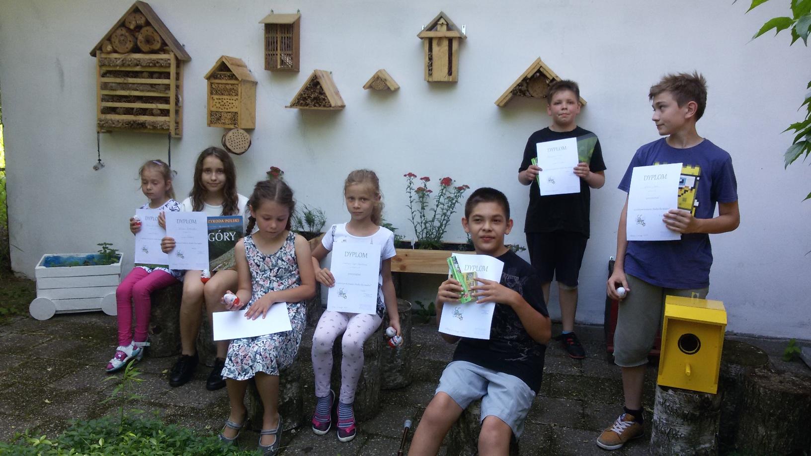 """Rozstrzygnięto szkolny konkurs przyrodniczy """"Budka dla owadów"""""""