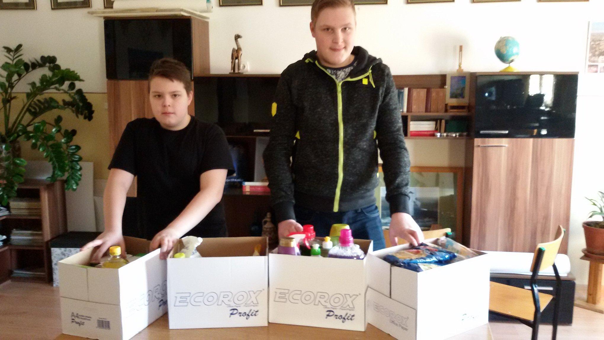 Wielkanocna zbiórka żywności dla Polaków mieszkających na Łotwie.